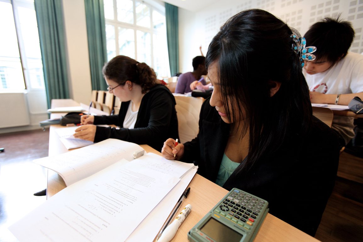 le bac stmg  sciences et technologies du management et de la gestion